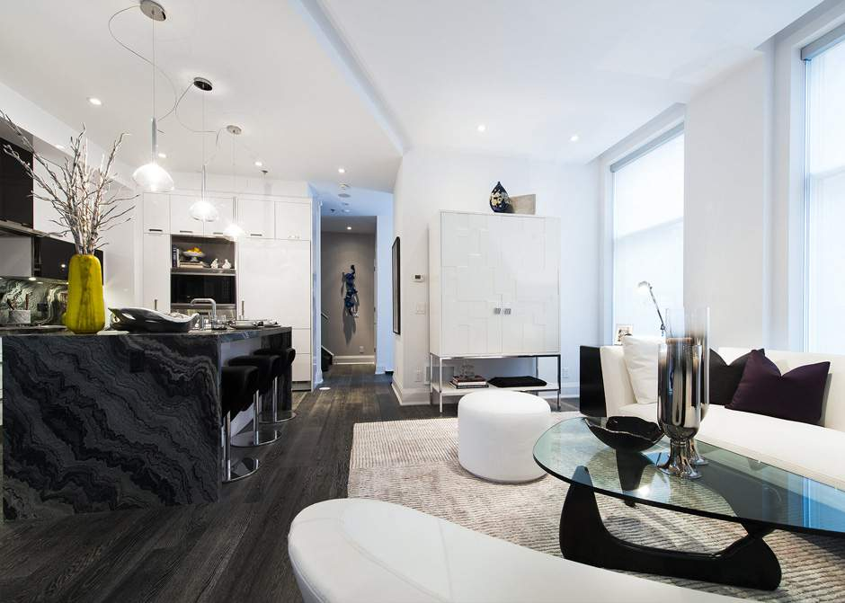 1080 BAY - TWO BED LUXURY CONDO - CONTACT YOSSI KAPLAN