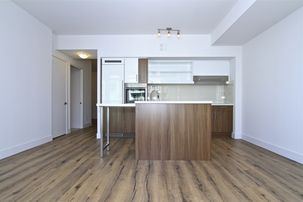 39 SHERBOURNE ST - ONE BEDROOM FOR SALE - CONTACT YOSSI KAPLAN