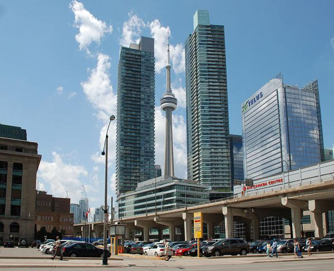 55-65-bremner-maple-leaf-square-condos