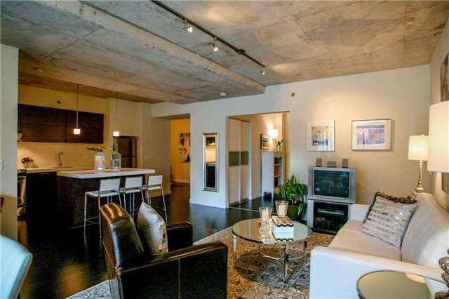 55 STEWART - THOMPSON CONDOS FOR SALE