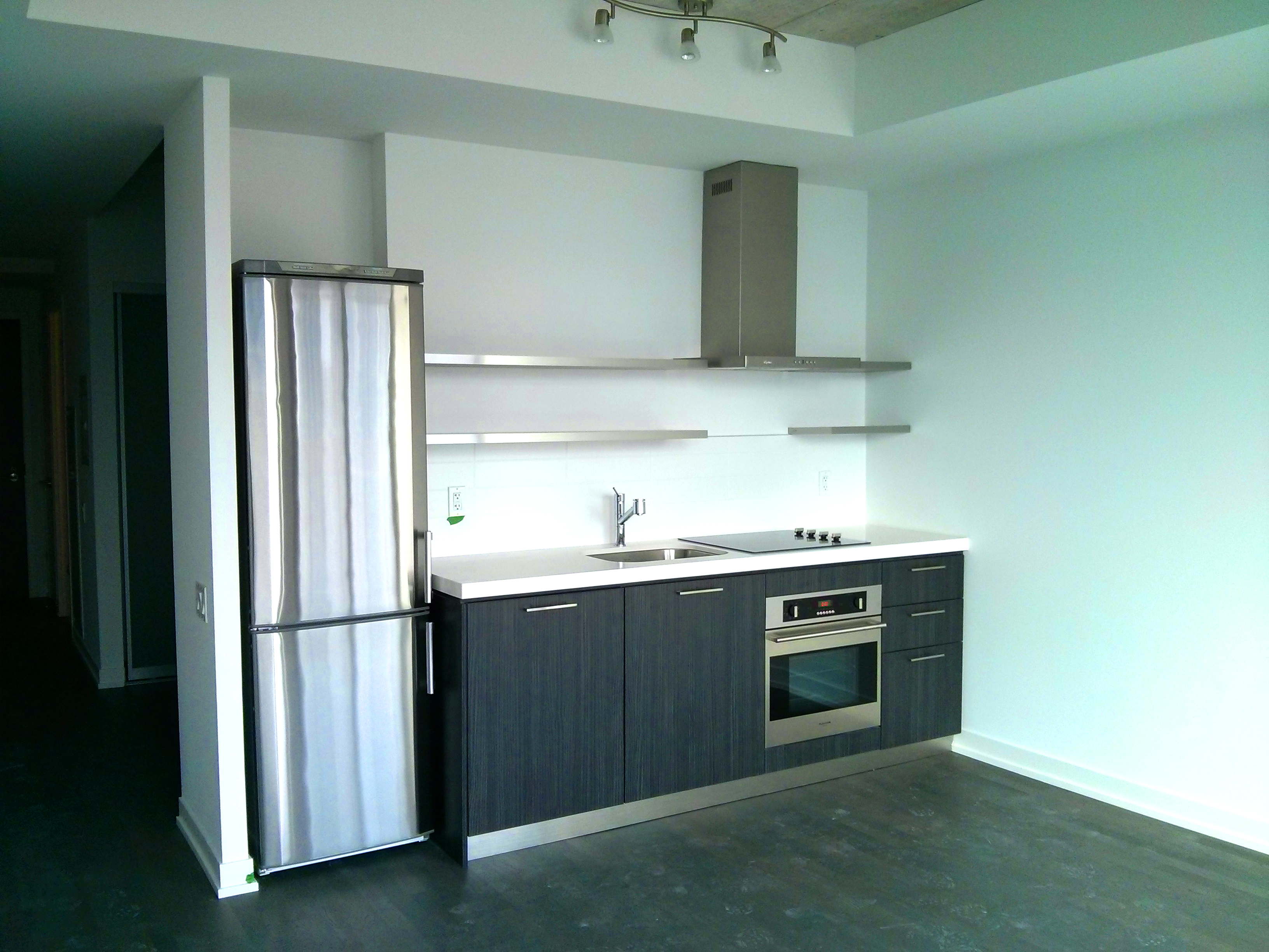 560 KING WEST - STUDIO 530 SQ FT - CONTACT YOSSI KAPLAN