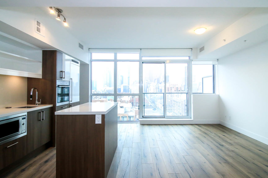 KING PLUS CONDOS FOR SALE - CONTACT YOSSI KAPLAN
