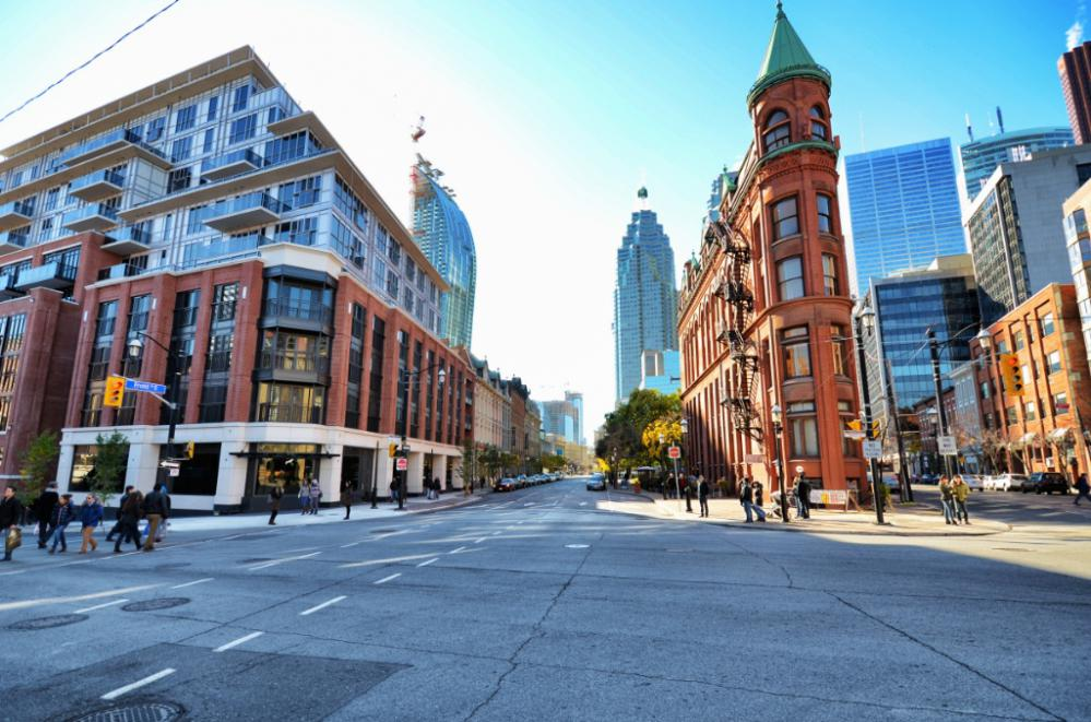THE BERCZY CONDOS FOR SALE - STREETVIEW