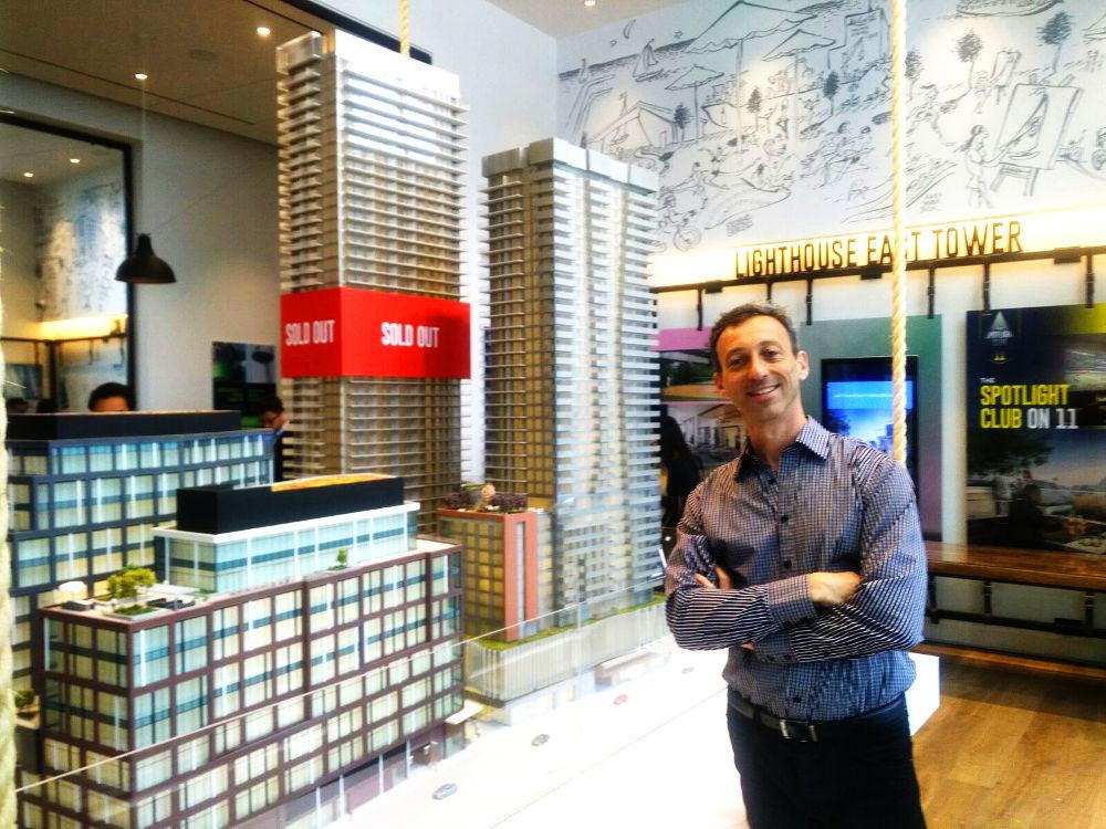 Yossi Kaplan, MBA Toronto VIP Realtor at Daniels Lighthouse 2017