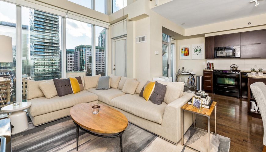 21 NELSON ST PENTHOUSE - LPH 25 LIVING ROOM - CONTACT YOSSI KAPLAN
