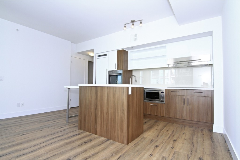 39 SHERBOURNE ST - KITCHEN - CONTACT YOSSI KAPLAN