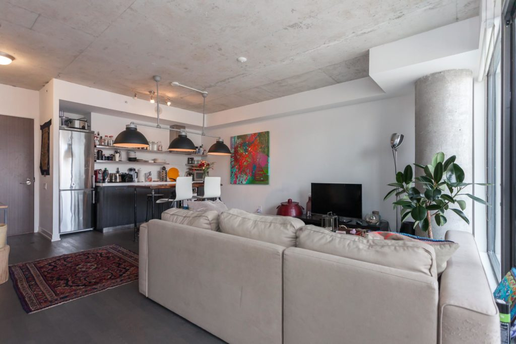 560 KING WEST - TWO BEDROOM FOR SALE 900 SQ FT - CONTACT YOSSI KAPLAN