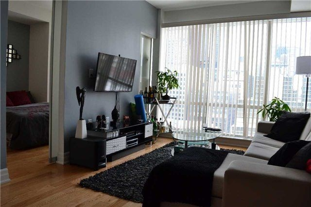 8 THE ESPLANADE - ONE BED FOR SALE - CONTACT YOSSI KAPLAN