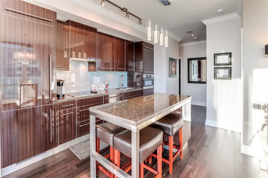 80 JOHN TWO BEDROOM FOR SALE - KITCHEN - CONTACT YOSSI KAPLAN