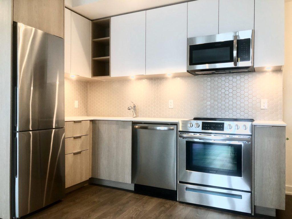 Garrison Point Condos - Kitchen - Yossi Kaplan (416) 993-7653