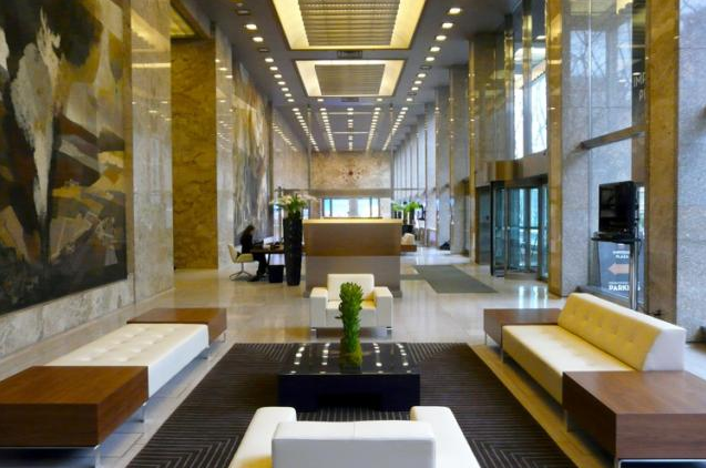 IMPERIAL PLAZA CONDOS FOR SALE - LOBBY