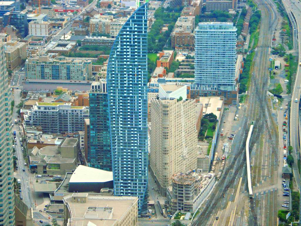 L TOWER CONDOS - BUY, SELL, RENT - CONTACT YOSSI KAPLAN