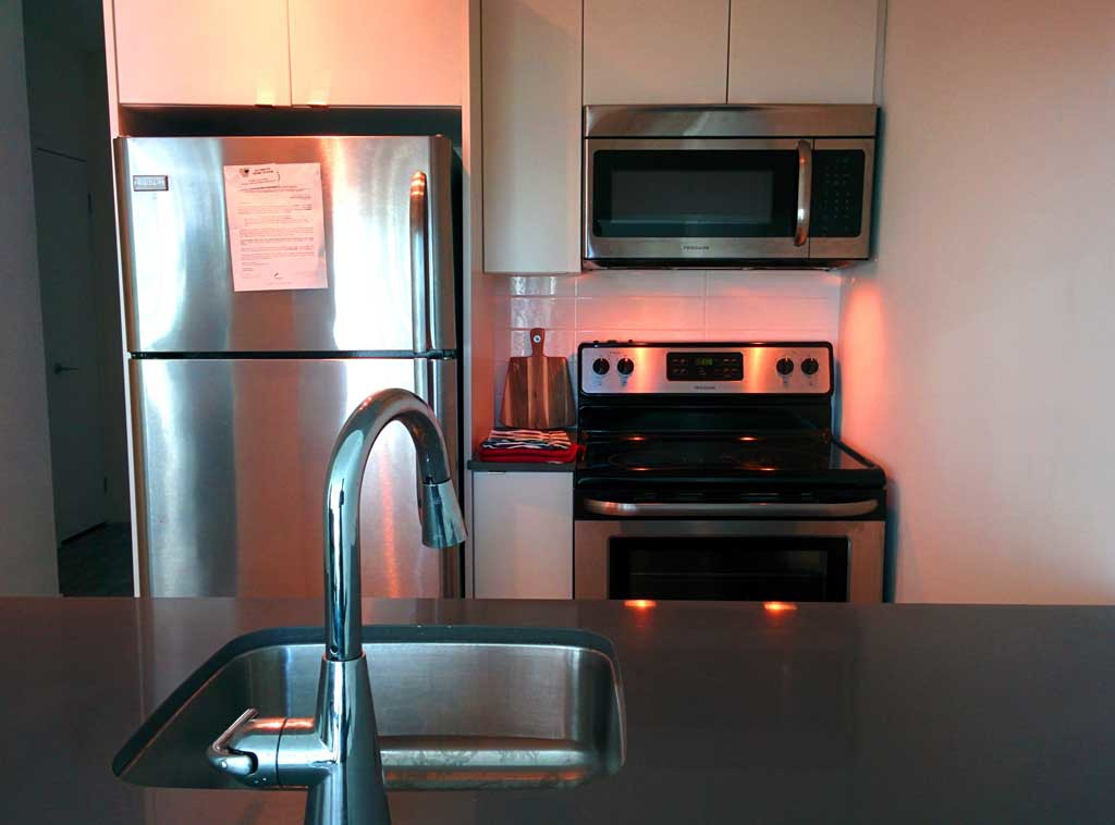 CONDO FOR RENT AT LIBERTY VILLAGE, 69 LYNN WILLIAMS LIBERTY ON THE PARK