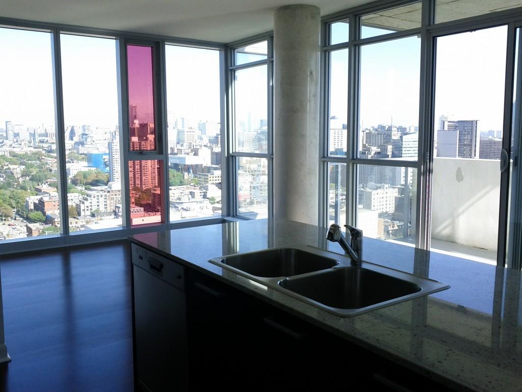 M5V_2707_living_room1