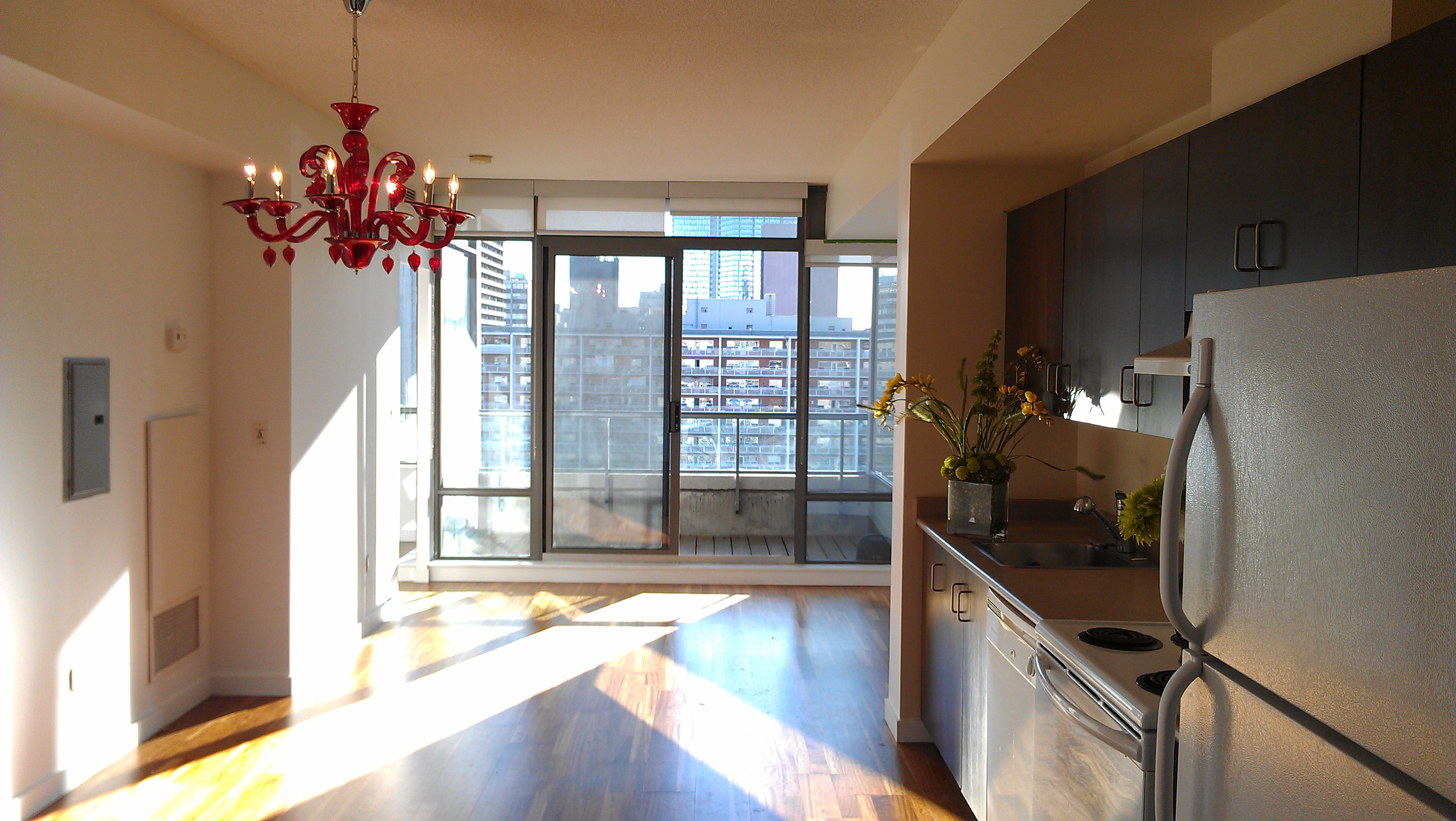 ONE BEDROOM FOR RENT - 281 MUTUAL ST