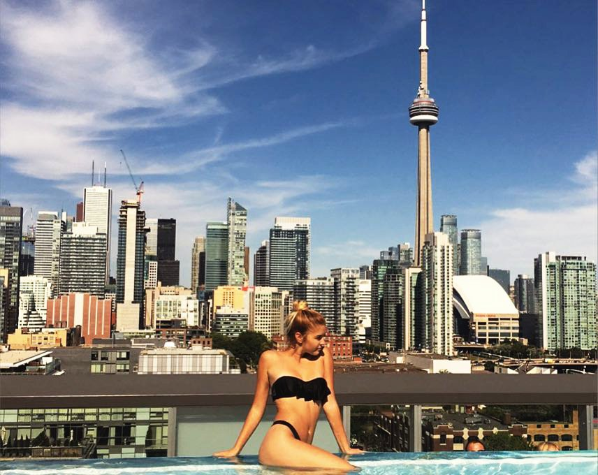 Thomspon Toronto Rooftop Pool - Condos Sales contact Yossi Kaplan