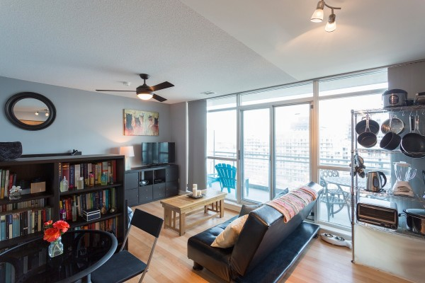 ZIP CONDOS FOR SALE - LIVING ROOM 1 - YOSSI KAPLAN